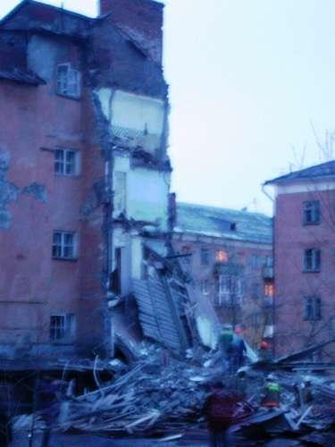В Лысьве рухнул дом (фото)