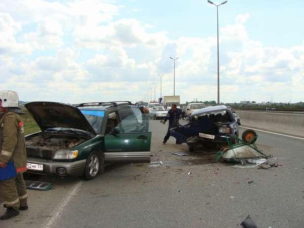 В Перми на подъезде к Красавинскому мосту в ДТП пострадали граждане Китая - фото 1