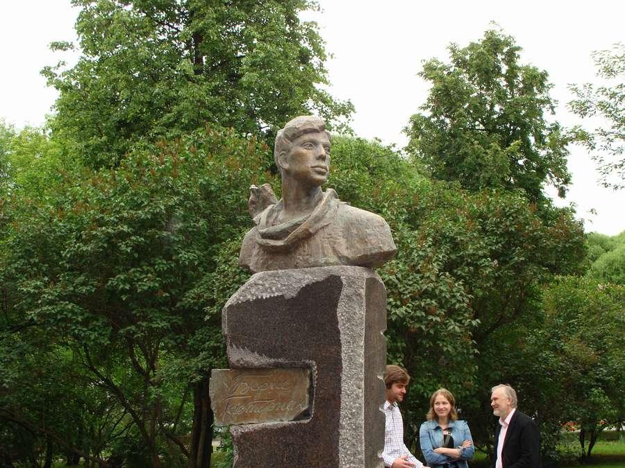 В день города в Перми открыты два памятника и три памятные доски, а по улице Ленина проплыли 32 ладьи - фото 1