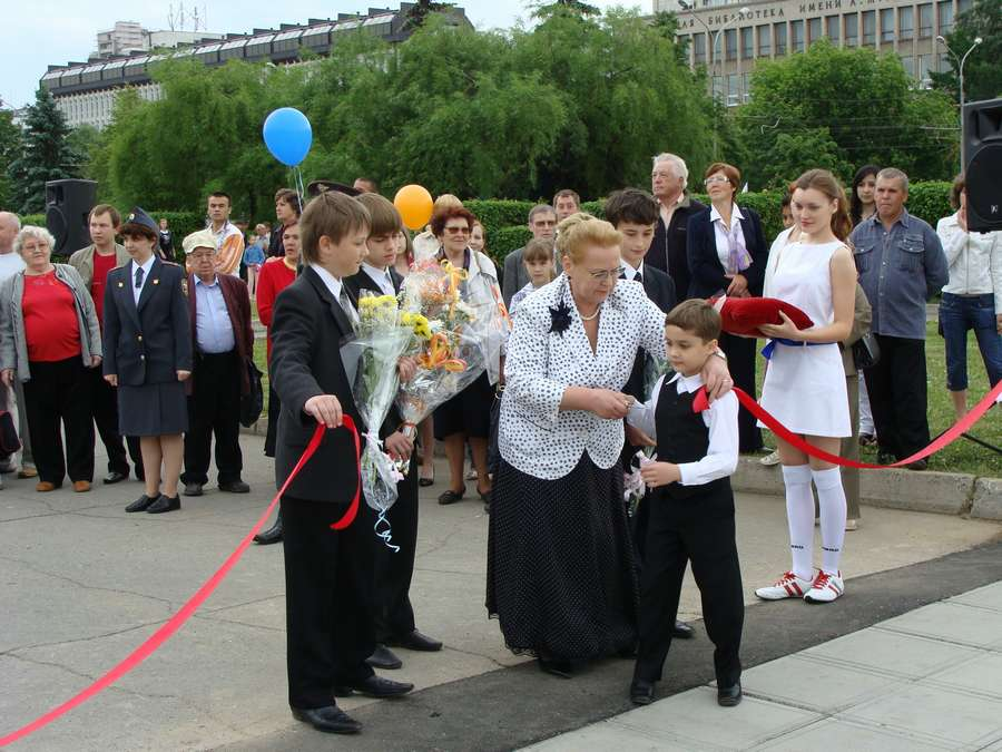 В день города в Перми открыты два памятника и три памятные доски, а по улице Ленина проплыли 32 ладьи - фото 38