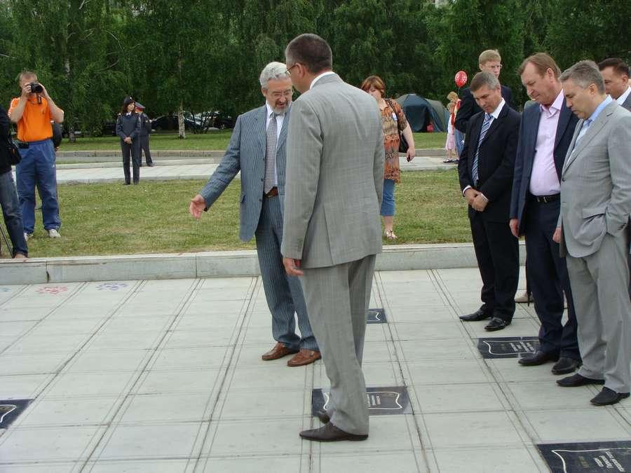 В день города в Перми открыты два памятника и три памятные доски, а по улице Ленина проплыли 32 ладьи - фото 40