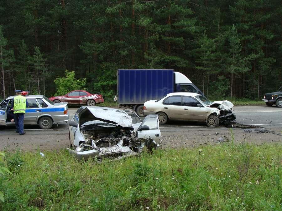 На дороге Дружбы в Перми лобовое столкновение - один погибший