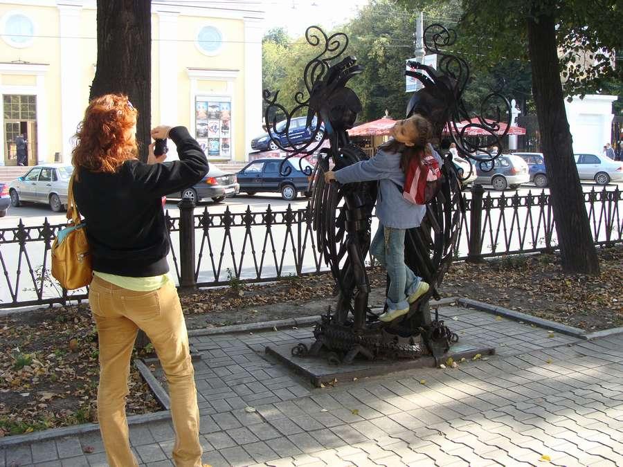 На главной пермской аллее появились еще три скульптуры - фото 1