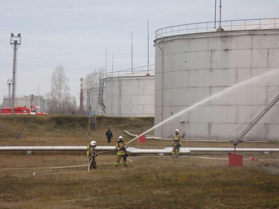 Пермские пожарные устроили пенную атаку