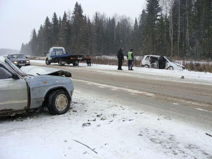 На 35 километре трассы Пермь – Березники столкнулись 4 машины - фото 5
