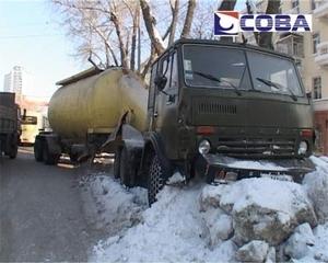 В Екатеринбурге столкнулись пять автомобилей и трамвай - фото 1