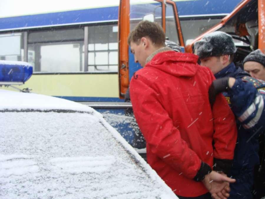 В Перми пьяный камазист врезался в маршрутный автобус - фото 8