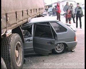 В Екатеринбурге два человека чудом выжили в автокатастрофе