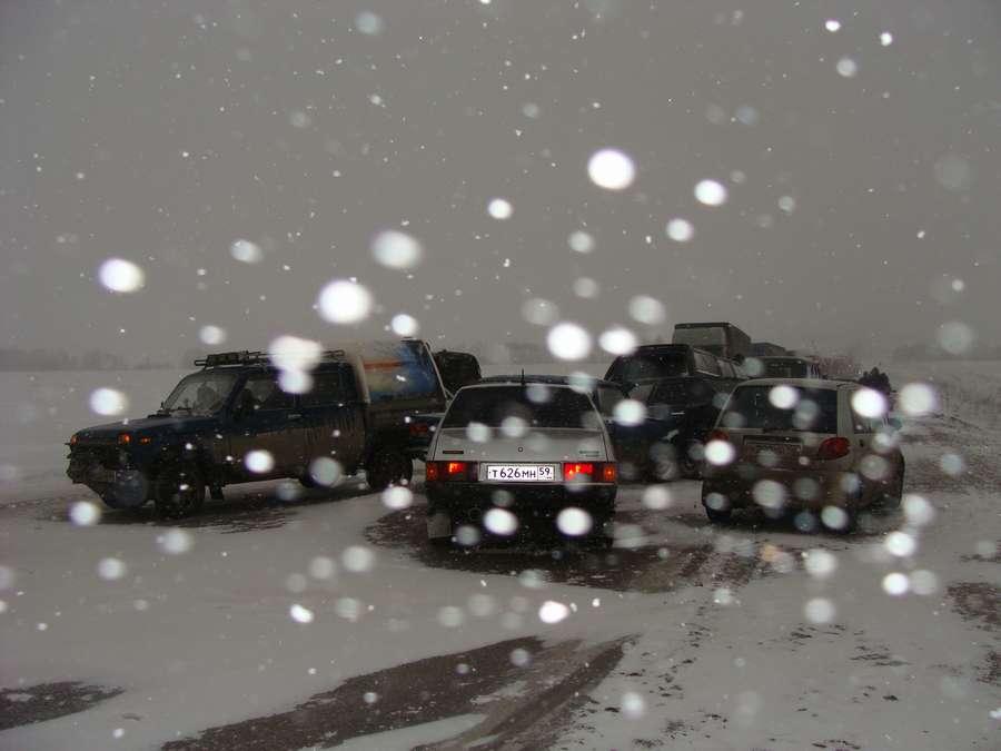 На трассе Пермь-Екатеринбург столкнулись 7 машин, один пострадавший
