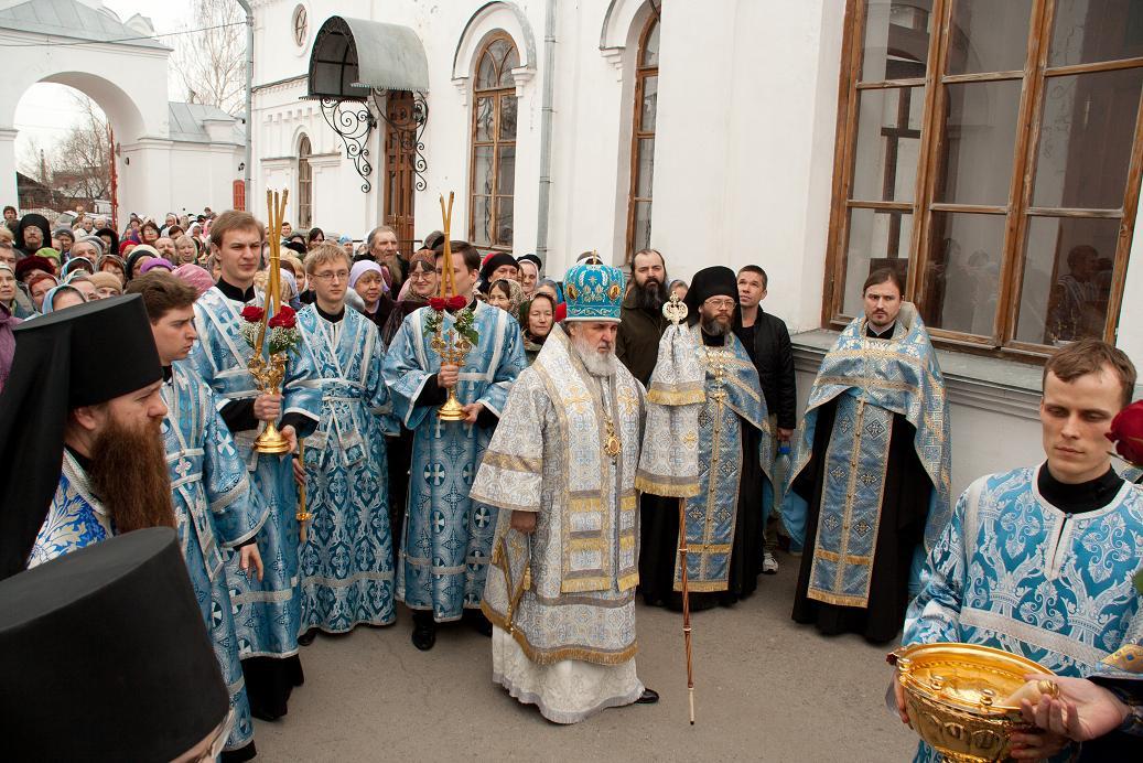 В Перми совершил богослужение новый пермский архипастырь - фото 1