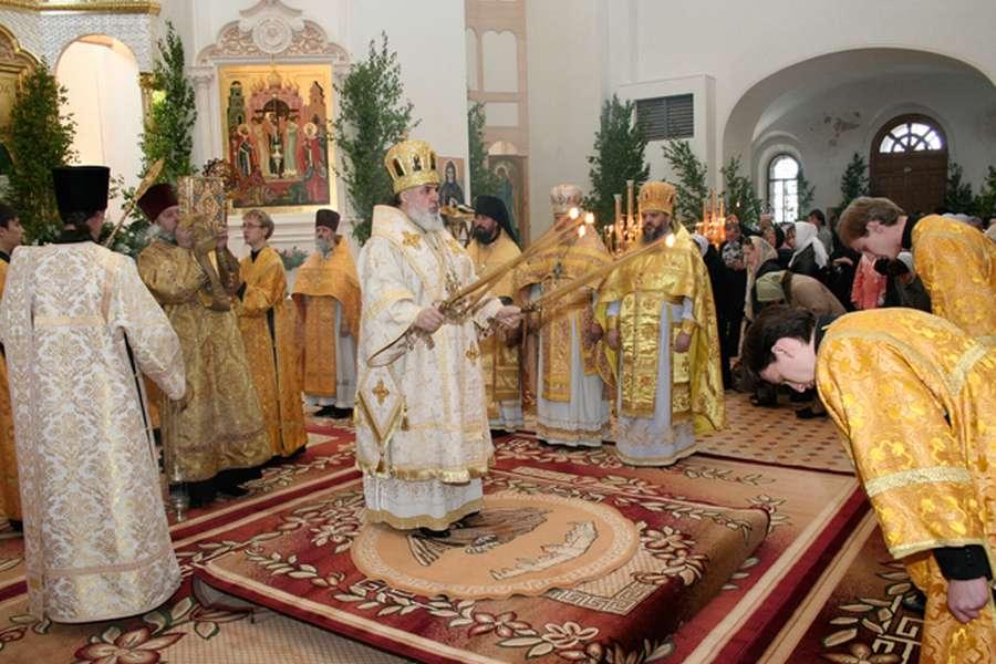 Митрополит Мефодий впервые побывал на Белой Горе
