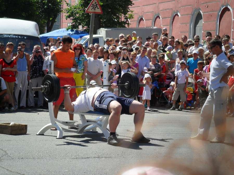В день города в Лысьве прошли соревнования по силовому экстриму