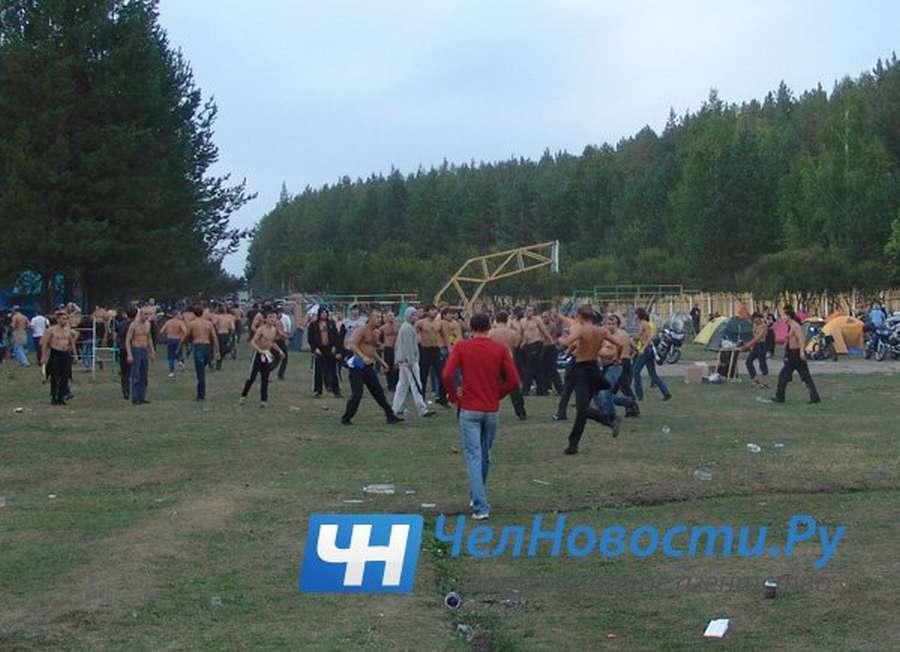 В Челябинске более сотни скинхедов разогнали рок-фестиваль - фото 1