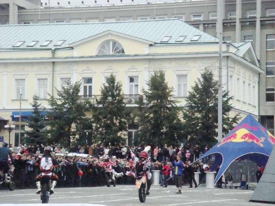 В Екатеринбурге на Дне города шведский спортсмен разбился - фото 1