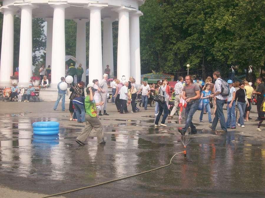В Перми сегодня играли в настоящие снежки - фото 5