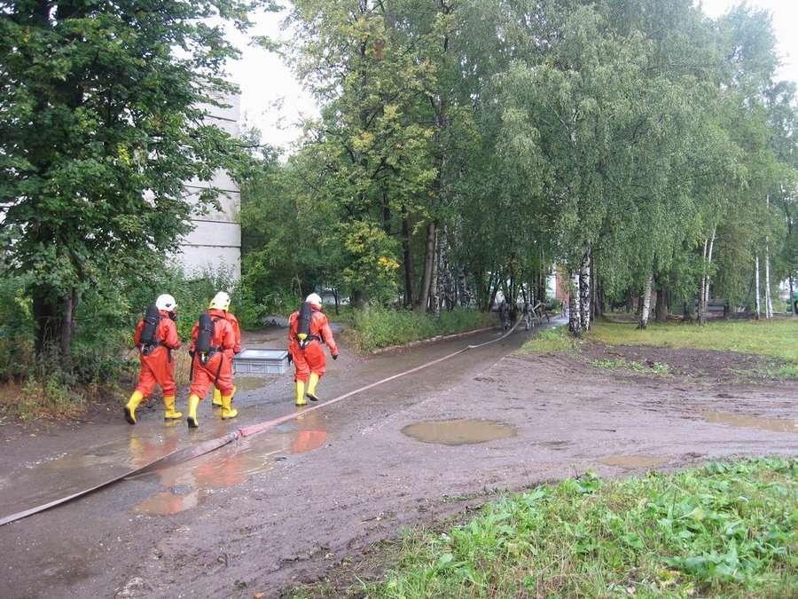 Пермские пожарные боролись с хлором - фото 3