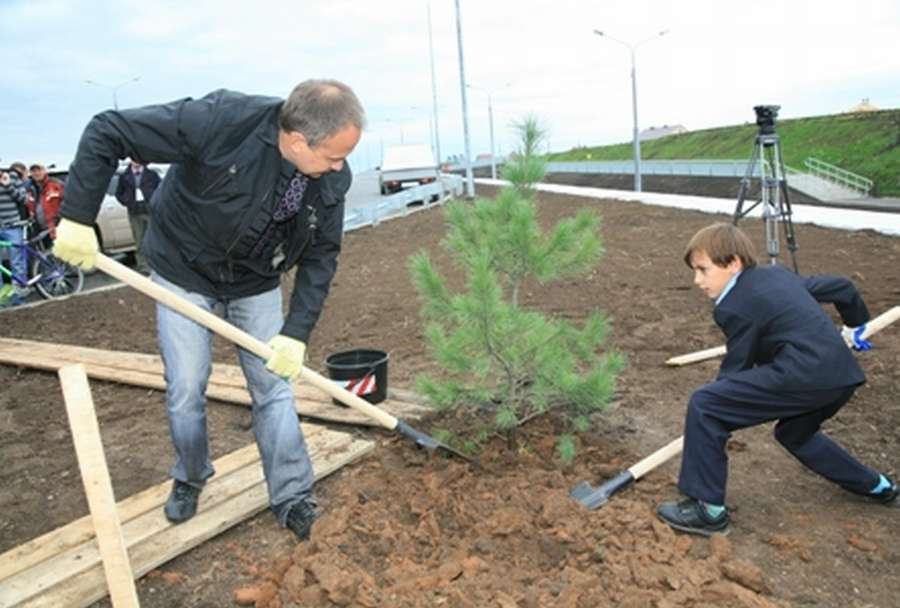 Пермский губернатор протестировал новую дорогу стаканом - фото 1