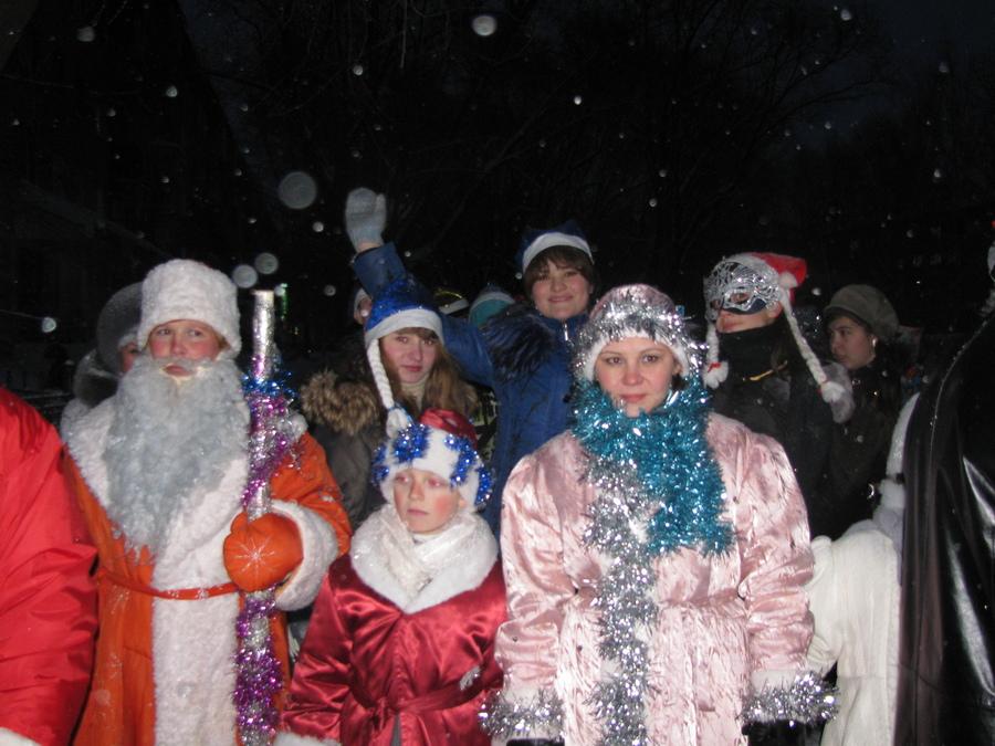 Дед-Морозы совершили марш-бросок по улицам Чернушки