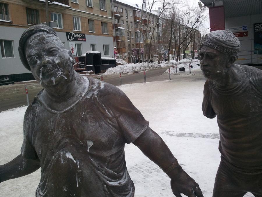В Перми Юрию Никулину оторвали руку - фото 4