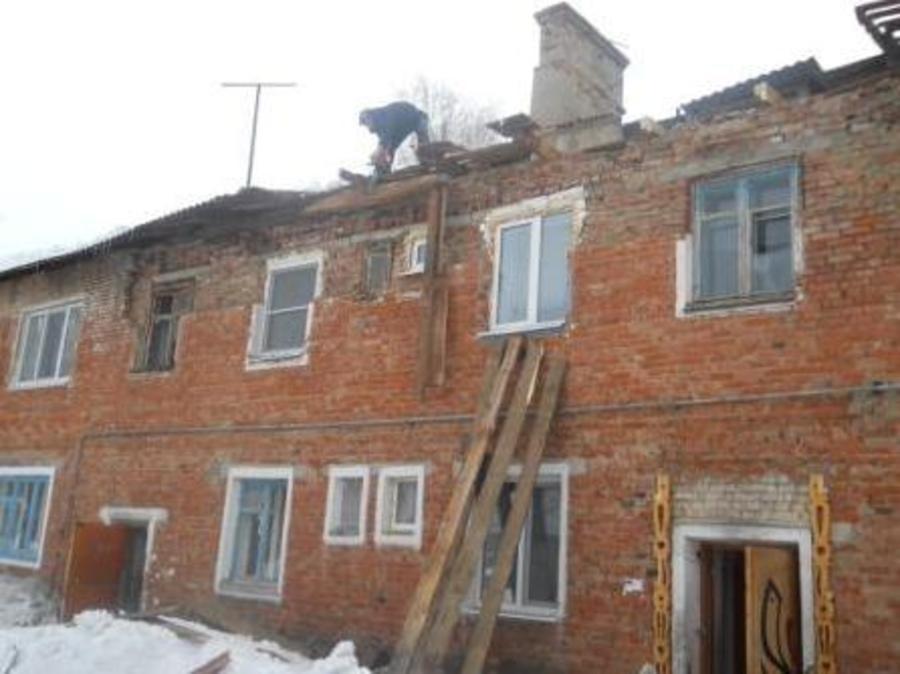 В Оханском районе рухнула крыша дома
