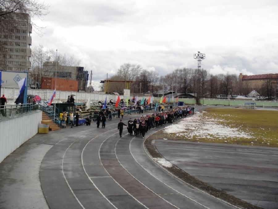 В Перми открыли легкоатлетический сезон под дождем