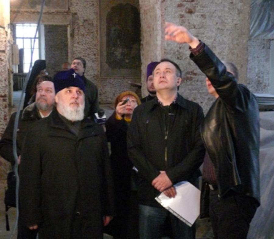 Губернатор и митрополит проинспектировали ход реставрации в пермском храме - фото 1