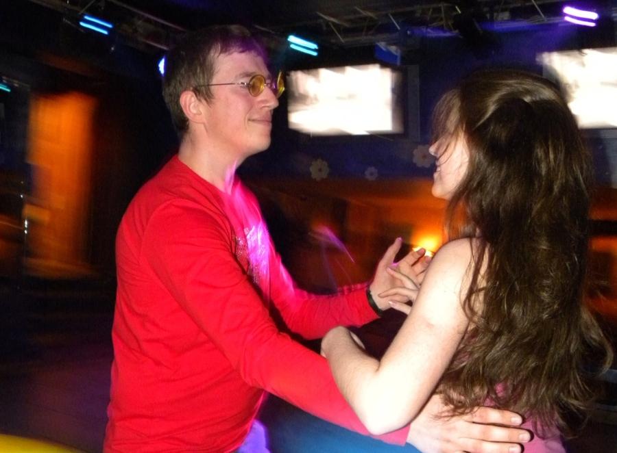 В пермском клубе «Ритм» вчера танцевали страстно и откровенно