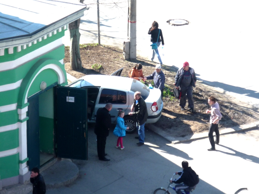 В Перми легковушка врезалась сегодня в мечеть