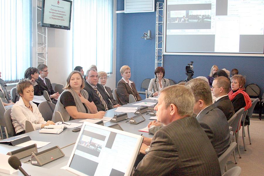 Вузы Перми ответили на вопросы абитуриентов в режиме онлайн