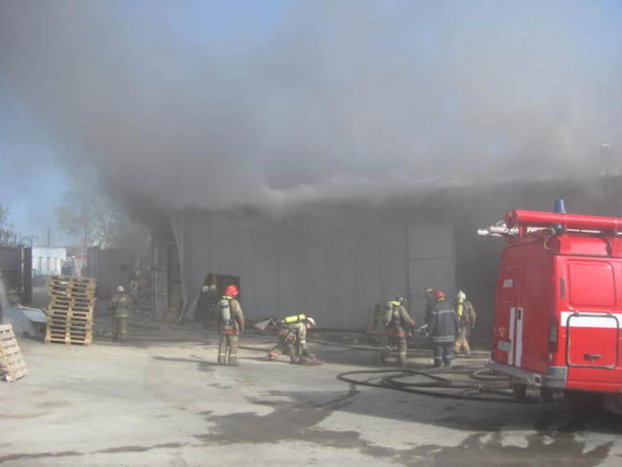 Установлена причина пожара на складе в Перми - фото 1