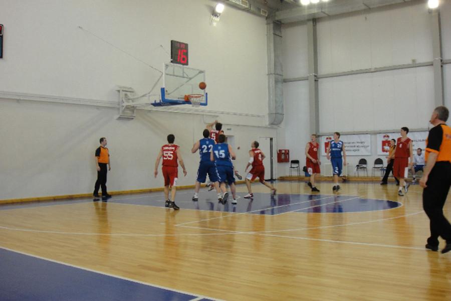 В Перми прошли финалы высшей лиги чемпионата по баскетболу