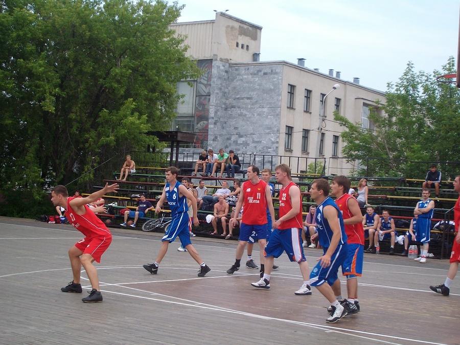 В Закамске в баскетбол играют с пивом - фото 1