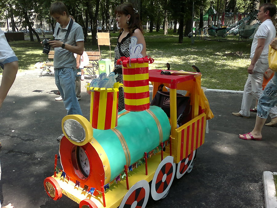 В Перми в параде колясок впервые принимали участие юные велосипедисты