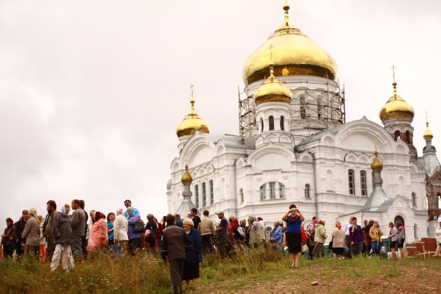Крестный ход добрался из Перми до Белогорского монастыря