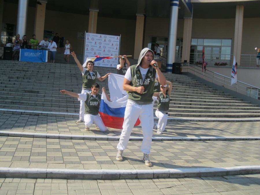 В Индустриальный район Перми на День физкультурника приехали звезды «Амкара» - фото 8