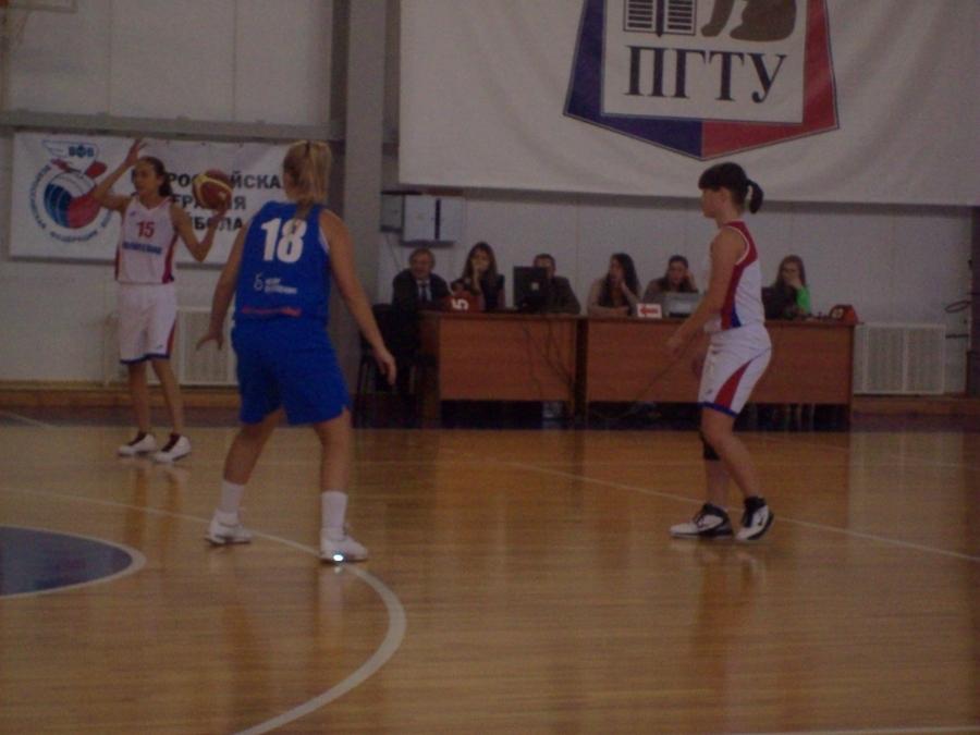 Пермские баскетболистки готовы выцарапать глаза за мяч! - фото 1
