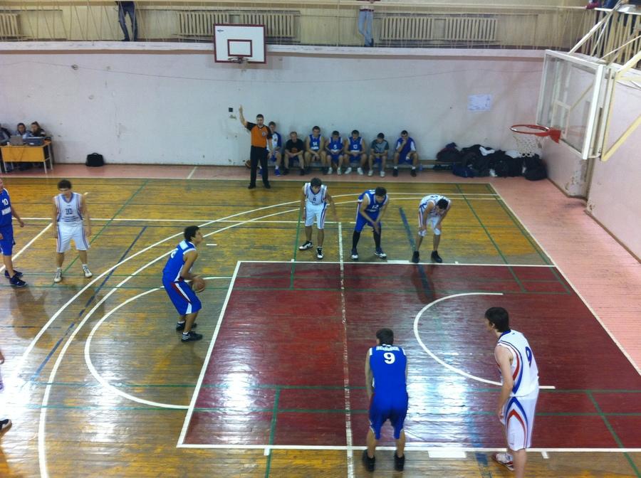 В Перми прошел 3 тур чемпионата по баскетболу