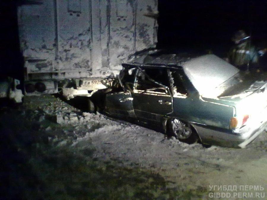 В Пермском крае водитель ВАЗа заснул за рулем - фото 1