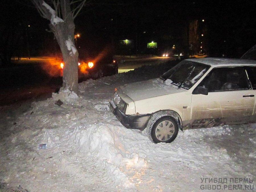 В Мотовилихинском районе Перми «восьмерка» не уступила дорогу Ренджроверу - фото 1