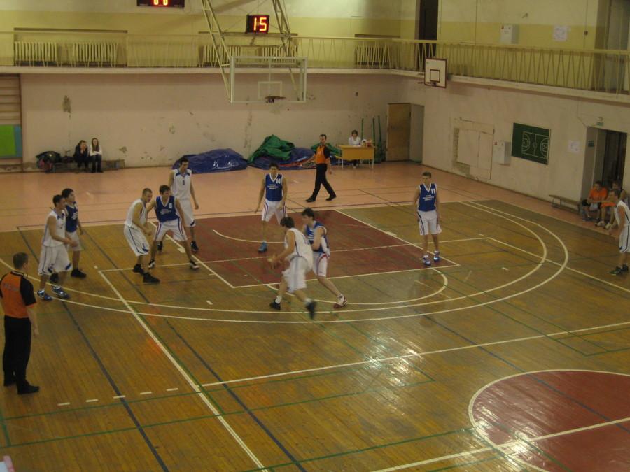 В Перми начался второй этап чемпионата по баскетболу