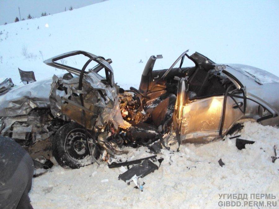 На трассе Пермь — Березники в ДТП пострадали 4 человека