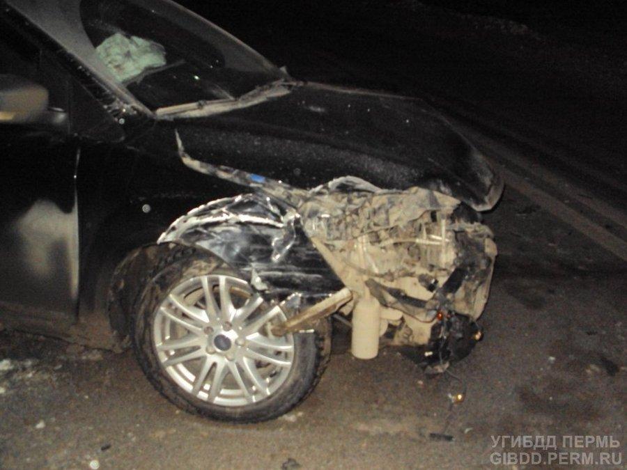 В Добрянском районе Форд Фокус столкнулся с Туарегом, а тот — с ВАЗом - фото 1