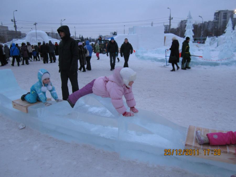 Сегодня в Перми открыт ледовый городок - фото 1