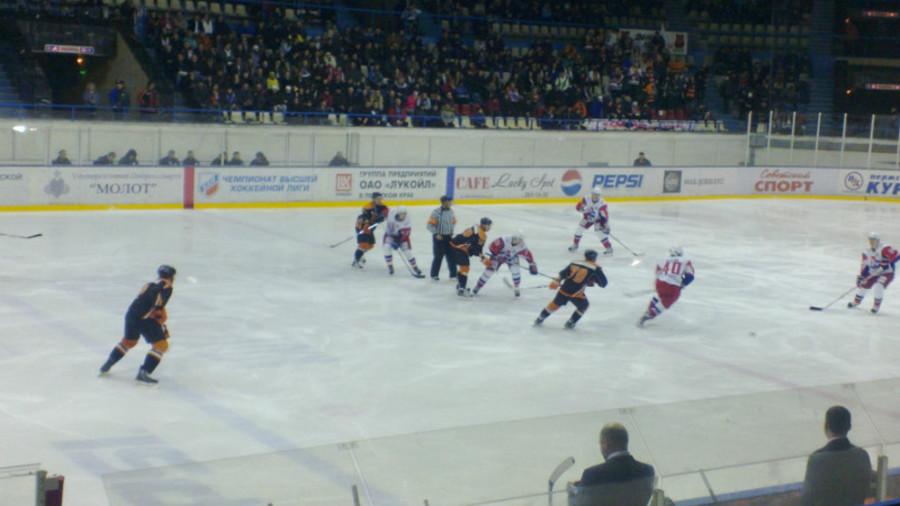 Пермский «Молот» выиграл у возрожденного «Локомотива».
