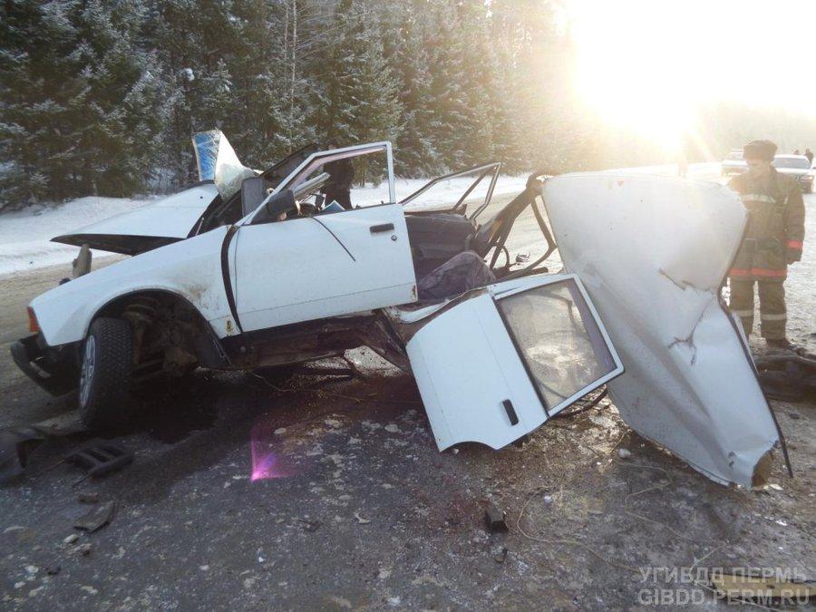 В Пермском районе в столкновении автомобилей погибли два человека