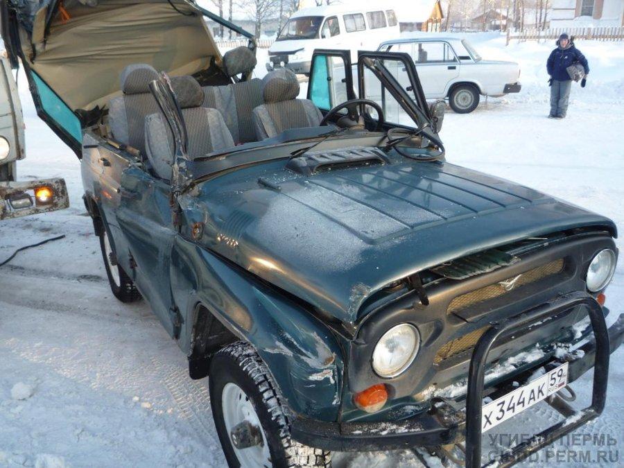 В Красновишерске в столкновении УАЗа с КАМАЗом травмирована 11-летняя девочка - фото 1