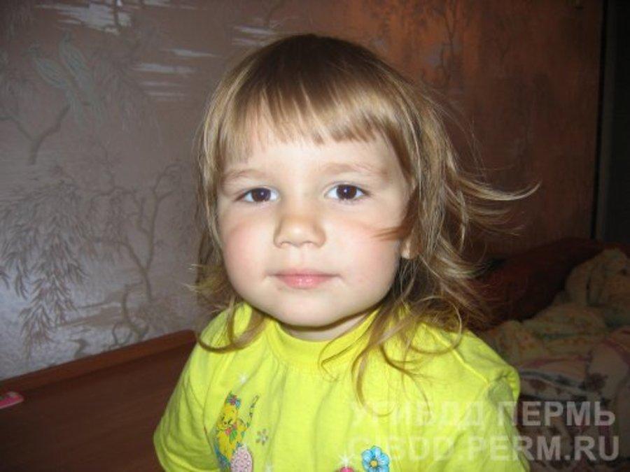 Пермяки помогают дышать 6-летней Алисе