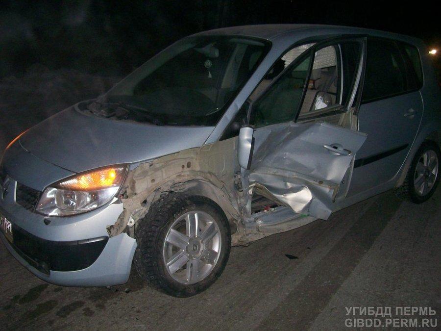 В Чусовом женщина-водитель неудачно совершила разворот