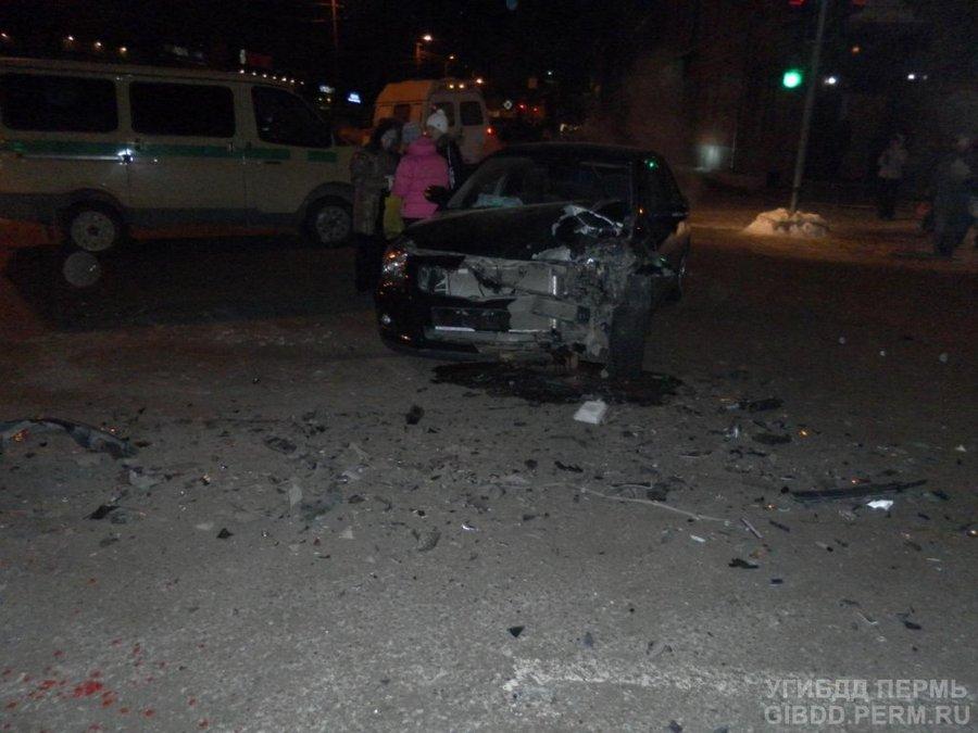 В Кунгуре водитель Тойоты совершил ДТП на перекрестке