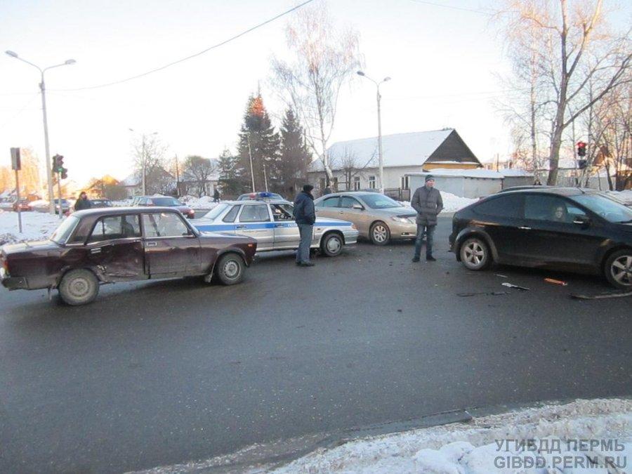 В Перми в столкновении машин пострадала 8-летняя девочка